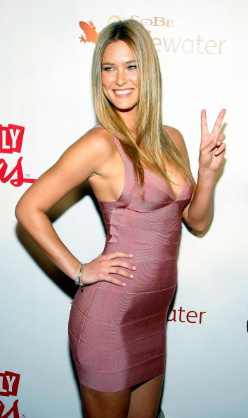 Eyeliner「Sports Illustrated Swimsuit Party At LAX In Las Vegas」:写真・画像(9)[壁紙.com]