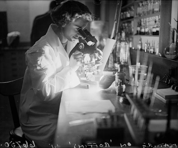 Scientist「Female 'Boffin'」:写真・画像(18)[壁紙.com]
