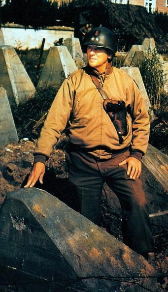 Color Image「Huebner At Siegfried Line」:写真・画像(3)[壁紙.com]
