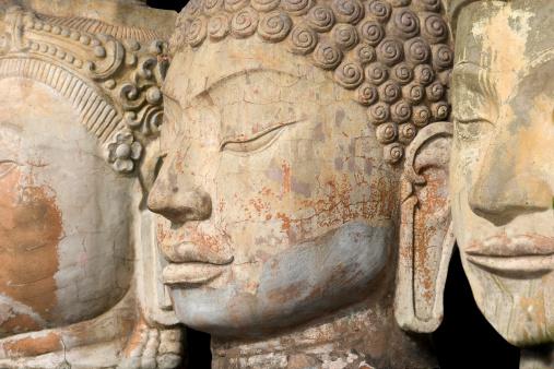 仏像「仏像に面した 3 つの列」:スマホ壁紙(13)