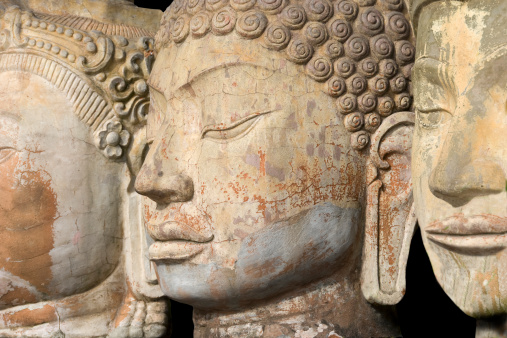 Buddha statue「仏像に面した 3 つの列」:スマホ壁紙(0)