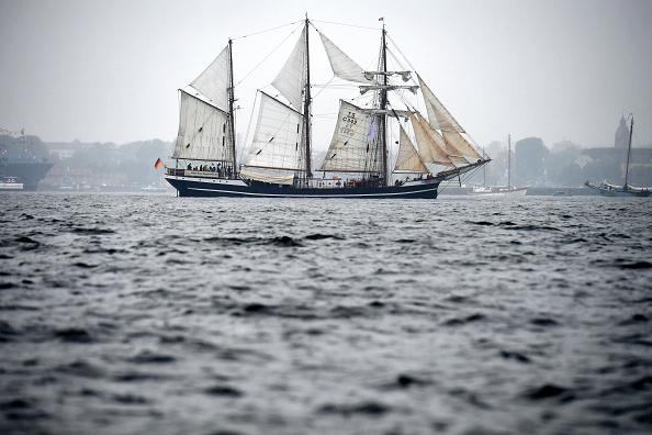 キール「Windjammer Tall Ships Parade In Kiel」:写真・画像(12)[壁紙.com]