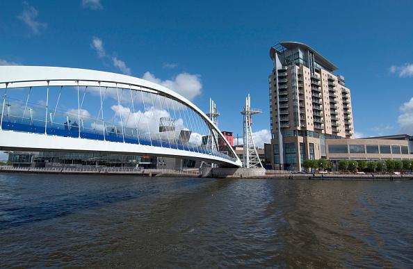 Salford Quays「Lowry Footbridge, Salford Quays, Manchester, United Kingdom」:写真・画像(10)[壁紙.com]