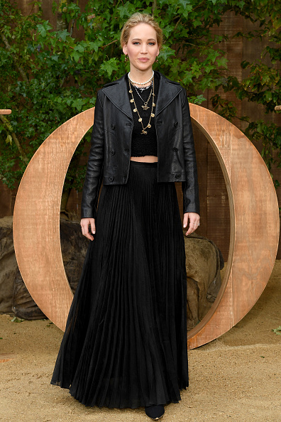 Leather Jacket「Christian Dior : Photocall -  Paris Fashion Week - Womenswear Spring Summer 2020」:写真・画像(7)[壁紙.com]