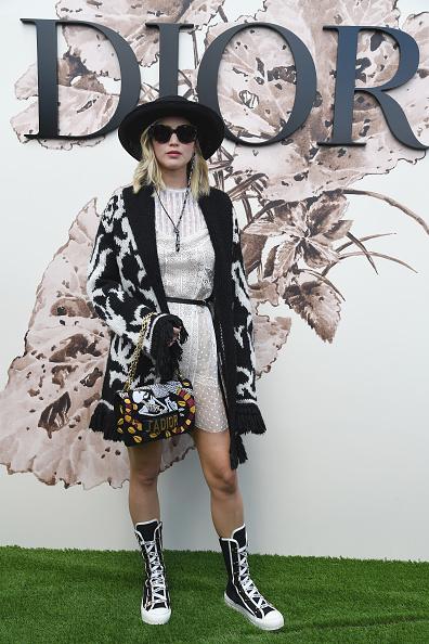 Personal Accessory「Christian Dior : Photocall - Paris Fashion Week - Haute Couture Fall/Winter 2017-2018」:写真・画像(10)[壁紙.com]