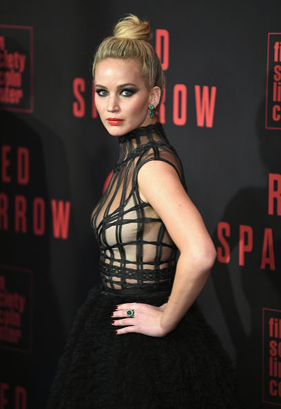 "Black Color「""Red Sparrow"" New York Premiere」:写真・画像(1)[壁紙.com]"