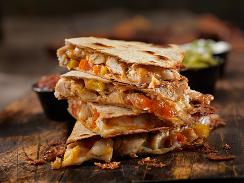 Tortilla - Flatbread「Cheesy Chicken Quesadilla」:スマホ壁紙(12)