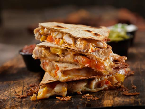 Cheesy Chicken Quesadilla:スマホ壁紙(壁紙.com)