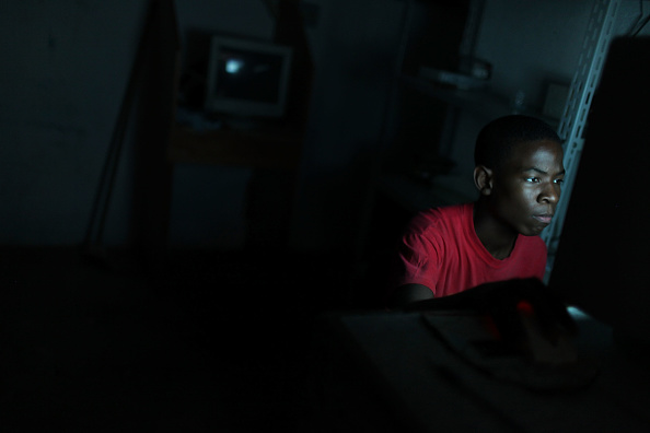 Teenager「Rio De Janeiro's Favelas Under Scrutiny After Brazil Wins Olympic Bid」:写真・画像(5)[壁紙.com]