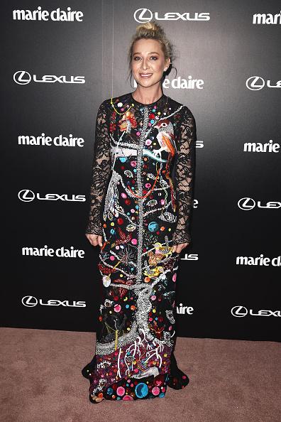 カメラ目線「2017 Prix De Marie Claire Awards - Arrivals」:写真・画像(2)[壁紙.com]