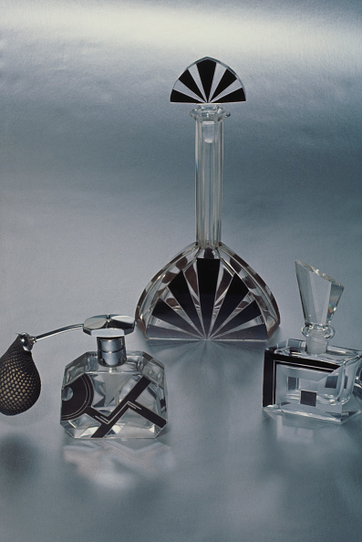 Three Objects「Art Deco Perfume Bottles」:写真・画像(1)[壁紙.com]