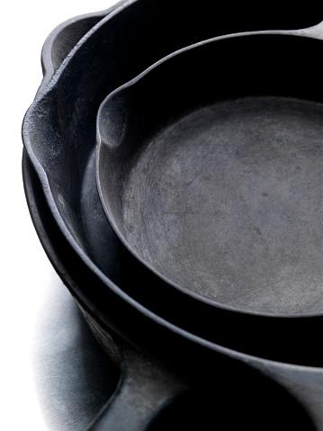 Cast Iron「Three Old Cast Iron Pans」:スマホ壁紙(15)
