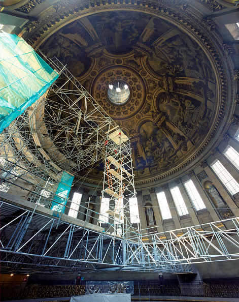 Ceiling「St Paul's Cathedral, London, UK. The £40m cleaning program celebrated the 300th anniversary of Sir Christopher Wren's masterpiece.」:写真・画像(2)[壁紙.com]
