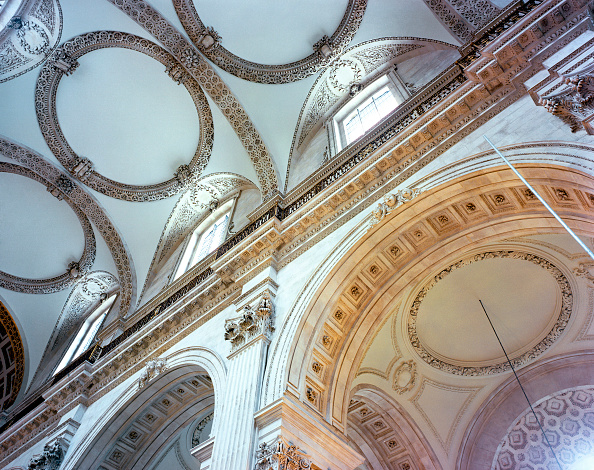 Ceiling「St Paul's Cathedral, London, UK. The £40m cleaning program celebrated the 300th anniversary of Sir Christopher Wren's masterpiece.」:写真・画像(5)[壁紙.com]