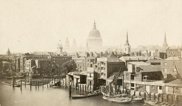 19th Century「St Pauls Cathedral From Southwark Bridge,」:写真・画像(3)[壁紙.com]