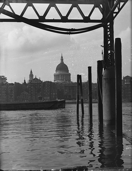 Waterfront「St Paul's Across The Thames」:写真・画像(17)[壁紙.com]