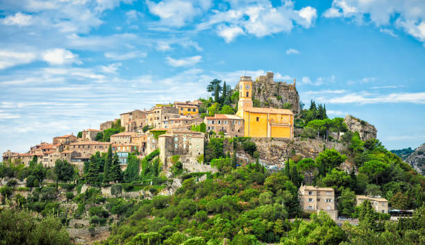 Eze is a small old Village in Alpes-Maritimes department in southern France,:スマホ壁紙(壁紙.com)