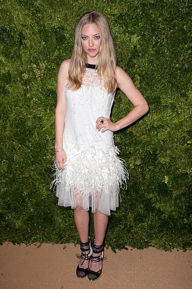 Amanda Seyfried「8th Annual CFDA/Vogue Fashion Fund Awards - Arrivals」:写真・画像(18)[壁紙.com]