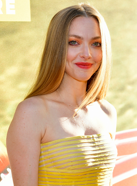 "Amanda Seyfried「Premiere Of 20th Century Fox's ""The Art Of Racing In The Rain"" - Red Carpet」:写真・画像(3)[壁紙.com]"