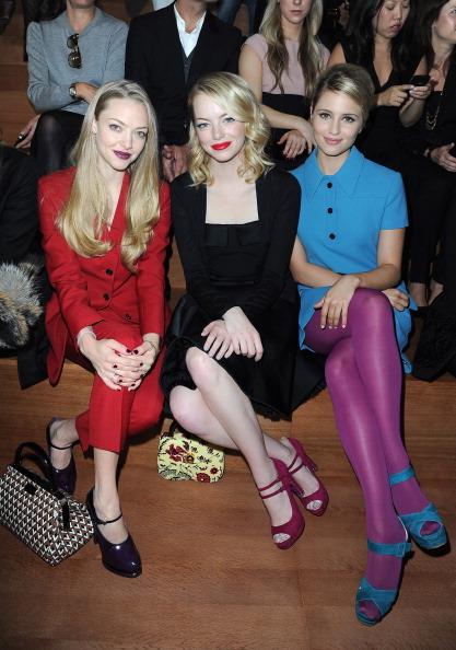 Amanda Seyfried「Miu Miu: Front Row - Paris Fashion Week Womenswear Spring / Summer 2013」:写真・画像(12)[壁紙.com]
