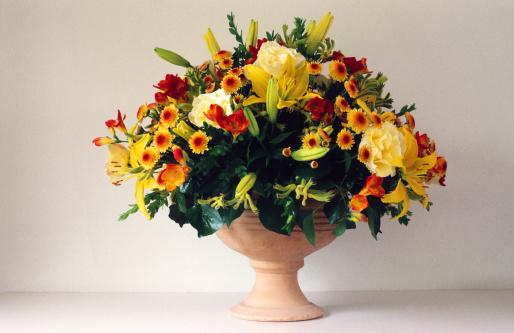 Bunch「Colorful Bouquet in ceramic vase」:スマホ壁紙(13)