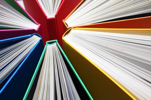 露出オーバー「抽象的なカラフルな書籍」:スマホ壁紙(3)