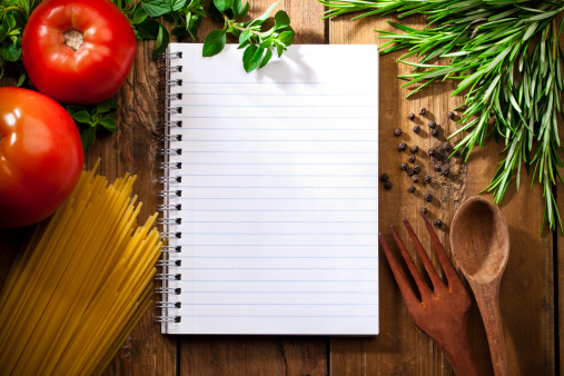 Recipe「Recipe notepad surrounded by italian ingredients」:スマホ壁紙(9)