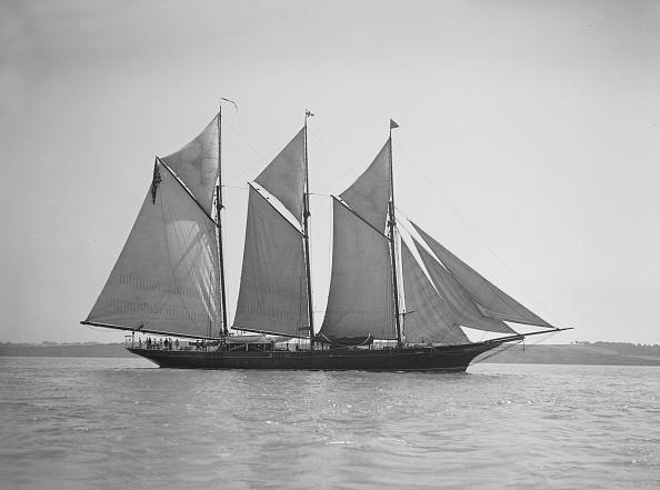 Cutting「The Three-Mast Auxiliary Schooner Invincible」:写真・画像(8)[壁紙.com]