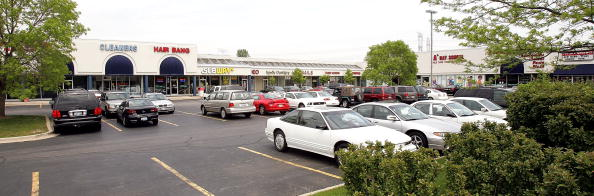 Mount Prospect「Strip Malls Become A Prominent Suburban Feature」:写真・画像(1)[壁紙.com]