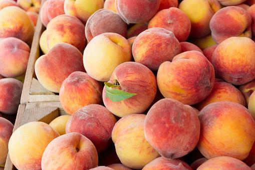 Peach「Peaches in wooden crate」:スマホ壁紙(19)