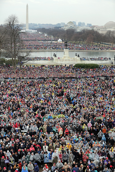 Crowd「Donald Trump Is Sworn In As 45th President Of The United States」:写真・画像(18)[壁紙.com]