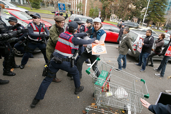 Melbourne - Australia「Opposing Rallies Clash In Melbourne CBD」:写真・画像(10)[壁紙.com]