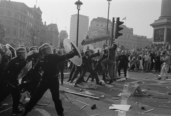 Cultures「Riot Police In London」:写真・画像(19)[壁紙.com]