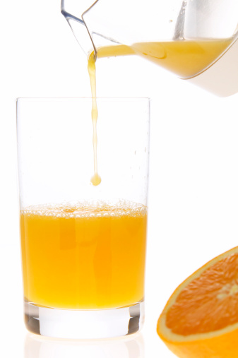 Jar「Fresh orange juice poured into glass, close-up」:スマホ壁紙(17)