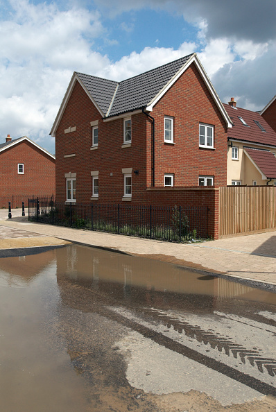 Finance and Economy「Blocked drains on a modern housing development, Ipswich, UK」:写真・画像(8)[壁紙.com]