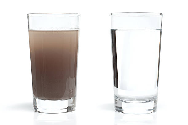 Dirty and Clean Water in Glasses:スマホ壁紙(壁紙.com)