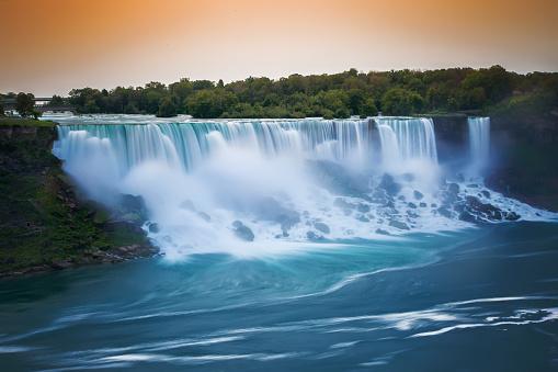 American Falls「American Falls and Bridal Veil Falls at sunrise, Niagara Falls, New York, America, USA」:スマホ壁紙(0)