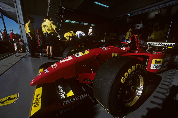 Ferrari「Jean Alesi, Grand Prix Of Portugal」:写真・画像(10)[壁紙.com]