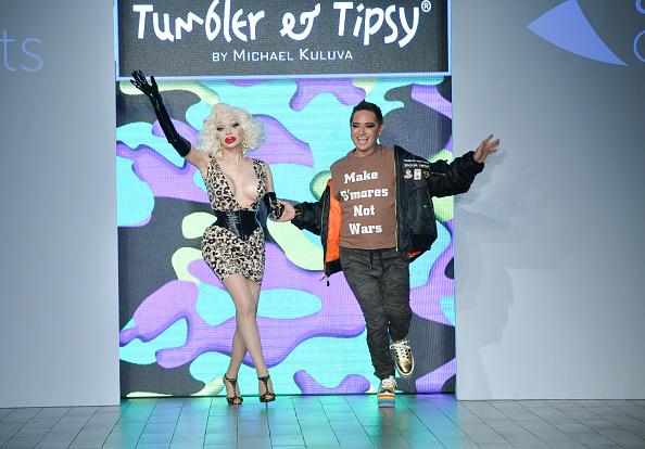 Crockery「Tumbler And Tipsy By Michael Kuluva - Runway - September 2017 - New York Fashion Week: Style360」:写真・画像(17)[壁紙.com]