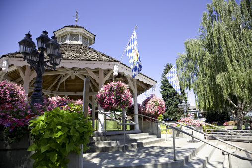 Bandstand「Leavenworth Washington Bavarian Pavillion」:スマホ壁紙(11)
