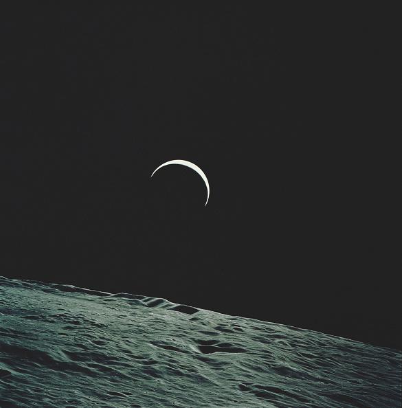 Empty「Apollo 15 Earthrise」:写真・画像(16)[壁紙.com]