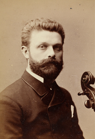 Facial Hair「Portrait Of An Unknown Musician」:写真・画像(12)[壁紙.com]