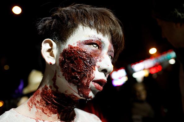 Drew Angerer「Annual Halloween Parade Winds Through New York's Greenwich Village」:写真・画像(15)[壁紙.com]