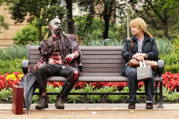 Bench「Zombies Walk The Streets Of Sydney」:写真・画像(19)[壁紙.com]