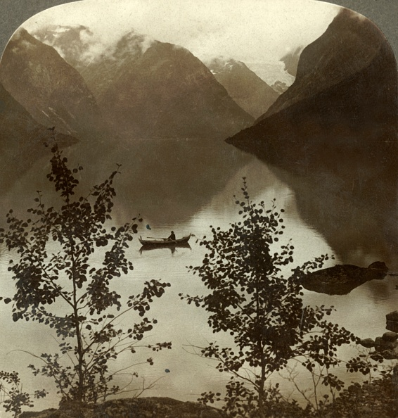 1900-1909「Lake Loen - Fed By Glaciers On Its Cloud-Capped Mountain Shores - Norway」:写真・画像(6)[壁紙.com]