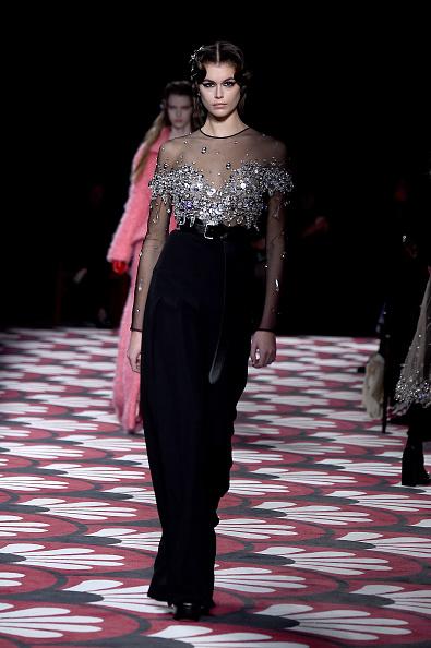 Miu Miu「Miu Miu : Runway - Paris Fashion Week Womenswear Fall/Winter 2020/2021」:写真・画像(15)[壁紙.com]