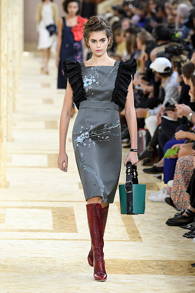 Womenswear「Miu Miu : Runway - Paris Fashion Week - Womenswear Spring Summer 2020」:写真・画像(8)[壁紙.com]