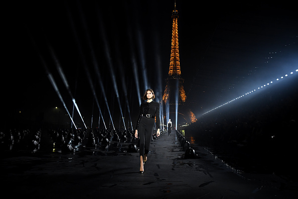 Womenswear「Saint Laurent : Runway - Paris Fashion Week - Womenswear Spring Summer 2020」:写真・画像(1)[壁紙.com]