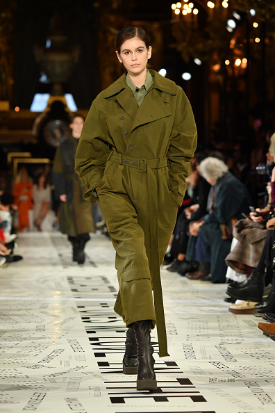 Green Color「Stella McCartney : Runway - Paris Fashion Week Womenswear Fall/Winter 2019/2020」:写真・画像(11)[壁紙.com]