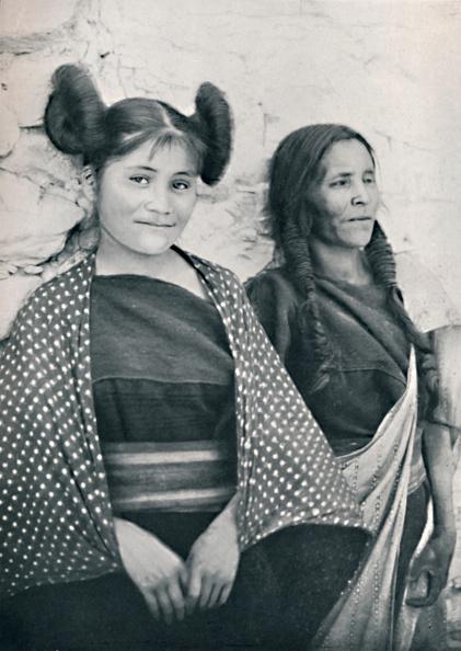 Parent「An Arizona Hopi Girl And Her Mother」:写真・画像(17)[壁紙.com]